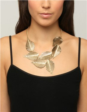 Short Linked Leaf Necklace at ASOS :  necklace jewelry jewellery gold